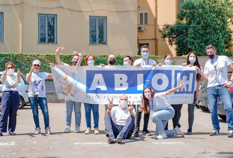 ABIO Napoli torna al Santobono con un'invasione di gioia per i piccoli pazienti
